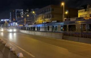 Tramvay elektrik kablolarında arıza; Şehitlik Durağı...