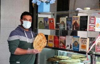 Tunceli'de Bir Fırıncıdan Askıda Kitap Uygulaması:...