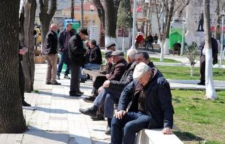 Türkiye'de 65 Yaş Üstü Vatandaşlar '#EvdeKal'...