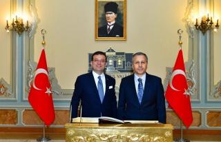 Ulu Önder Atatürk'ün Fotoğrafını 'Tek Kaş'...