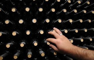 Valilik Kararıyla Alkol Satışının Yasaklandığı...