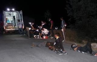 Van'da Göçmenleri Taşıyan Minibüs Devrildi: 12...