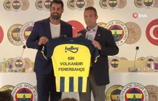 Volkan Demirel, Fenerbahçe'deki görevinden ayrıldı