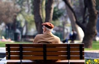 Yaşlılara Yönelik Sosyal Medyada 'Espri' ile Başlayan...