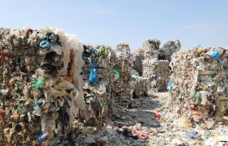 Yılda 13,7 Milyon Ton! Avrupa'nın Yeni Çöplüğü...