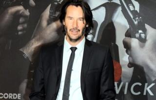 Yıldız oyuncu Keanu Reeves, yeni filmi için tanınmaz...