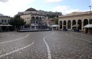 Yunanistan, artan koronavirüs vakaları nedeniyle...