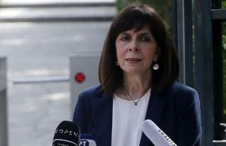 Yunanistan Cumhurbaşkanı diplomatik yalanla çizgiyi...