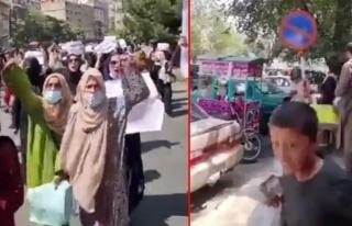 Yüzlerce Afgan kadın, Kabil sokaklarını 'Özgürlük'...