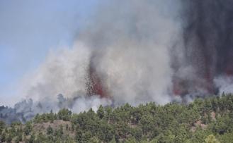 130 depremin ardından Kanarya Adaları'nda yanardağ patladı