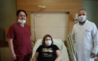 Rahim ve yumurtalığı alınacaktı; tümörü dondurarak tedavi ettiler