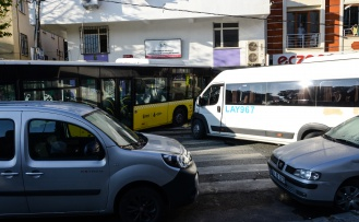 Sancaktepe'de İETT otobüsü konrolden çıkarak dükkana girdi: 1 ölü, 3 yaralı