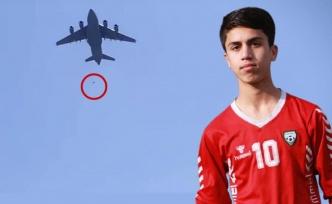 ABD tahliye uçağının kanadından düşen Afgan futbolcunun ailesi pilotların yargılanmasını istiyor