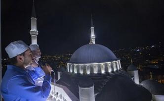 Türkiye Genelinde Aynı Anda Okundu: 90 Bin Camide Sela Sesleri