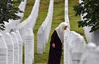 25 Yılıdr Dinmeyen Acı: Srebrenitsa Katliamı'nın 9 Kurbanı Daha Toprağa Verildi