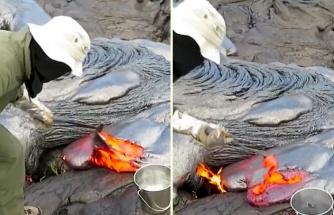 Aktif Bir Volkanın Lavlarından Örnek Toplayan Jeolog