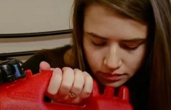 Alışkanlığı ağızları açık bıraktı Sabahları bir bardak benzin içmeden güne başlamıyor