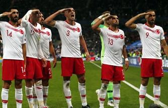 Alman medyası millilerin selamını hazmedemedi!