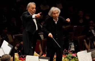 Alzheimer Olan Japon Orkestra Şefinin, Başka Bir Şef Yardımıyla Orkestra Yönettiği Muhteşem Anlar