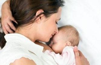 Anne sütü bebekte aşı etkisi oluşturuyor