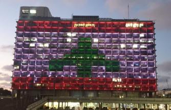 Beyrut'taki Patlama Sonrası İsrail'in Desteği Sürüyor: Tel Aviv'deki Binaya Lübnan Bayrağı Yansıtıldı