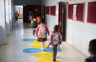 Bilim Kurulu Üyesi Akın'dan Yüz Yüze Eğitim İçin 'Hızlı Test' Önerisi