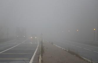 Bolu Dağı sisle kaplandı, görüş mesafesi 20 metreye düştü