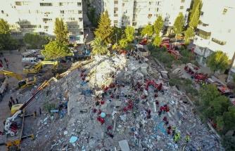 Canlı Anlatım | İzmir'de 8 Binada Çalışmalar Sürüyor: 25 Can Kaybı, 804 Yaralı Var