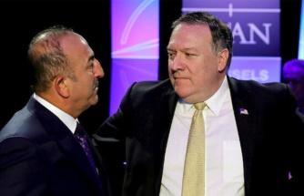 Çavuşoğlu'ndan Türkiye'yi hedef alan Pompeo'ya sert tepki: ABD, Suriye'deki terörist oluşumları destekliyor