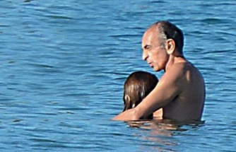 Cumhurbaşkanı adayı asistanıyla görüntülendi, fotoğrafı yayınlayan yayın yönetmeni görevden alındı
