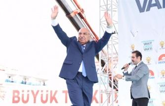 'Dut Pekmezi Yersek Bir Şey Olmaz' Diyen AKP Milletvekili, Koronavirüs Şüphesiyle Hastaneye Kaldırıldı