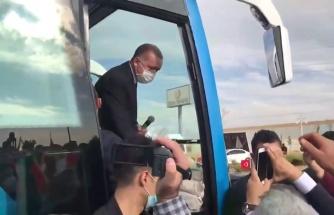 Erdoğan'ın 'Keyif Çayı İç' Dediği Servisçi: 'AK Parti Üyesiyim, Kırıldık, Üzüldük…'