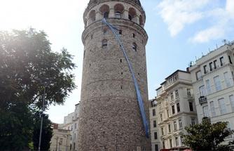 Galata Kulesi prostat kanserine dikkat çekmek için mavi kravat taktı