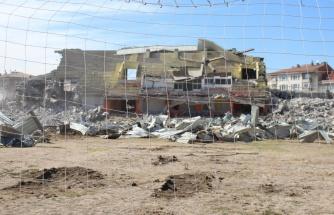 Harabeye dönen Cebeci İnönü Stadı, Millet Bahçesi olacak