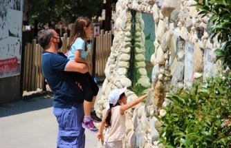 Hayvanat bahçesi kapılarını bu kez Türkiye'nin akciğerleri için açtı