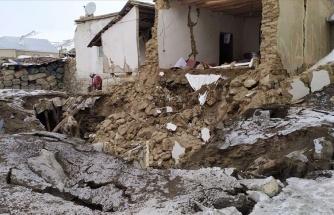 İçişleri Bakanı Soylu: 'İran Merkezli Depremde 7 Vatandaşımızı Kaybettik, Enkaz Altında Olanlar Var'