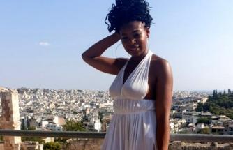 İngiliz bloggerın giydiği kıyafet Yunanistan'da krize sebep oldu!