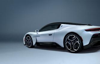 İtalyan otomotiv markası yeni spor otomobili tanıttı