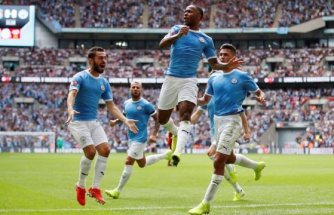 Liverpool'u deviren Man. City sezonu kupayla açtı