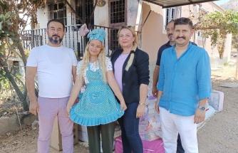 Mersin'de Yangında Tüm Çeyizi Yanan Fatma Tan'a Hayırseverlerden Bir Minibüs Dolusu Çeyiz Hediyesi