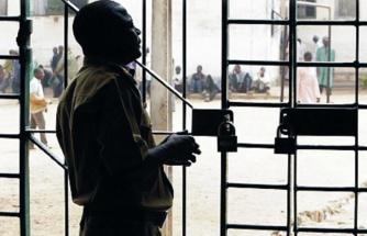 Nijerya'da cezaevine düzenlenen saldırıda çok sayıda mahkum firar etti