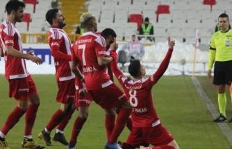 ÖZET İZLE: Sivasspor 1 - 0 Alanyaspor Maç Özeti ve Golleri İzle| Sivas Alanya Kaç Kaç Bitti