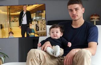 Roman Neustadter oğlunu gezdirdi