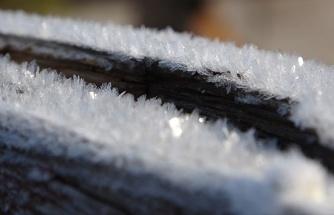 Soğuk hava, nehir ve dereleri dondurdu