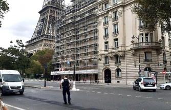 Son Dakika! Paris'teki Eyfel Kulesi'nin tahliye edilmesine sebep olan ihbar asılsız çıktı