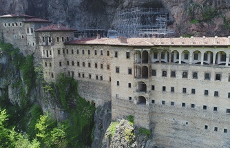 Sümela Manastırı'ndaki restorasyon çalışmalarında gelinen son nokta havadan ve manastırın içinden görüntülendi