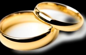 Ünlü kadın şarkıcının evliliğiyle ilgili şok eden gerçek!