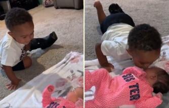 Yeni Doğan Kardeşini Öpücüklerle Karşılayan Ufaklığın Muhteşem Görüntüleri