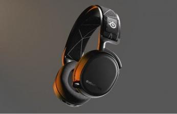 İşte SteelSeries Arctis 9 Dual!