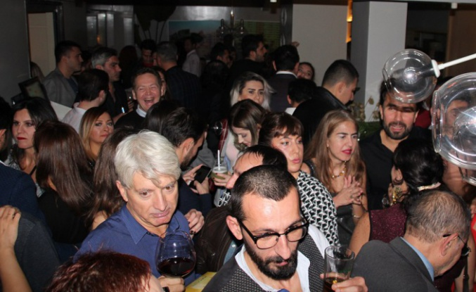 Cheers To 2020 Party by Senem Selimi